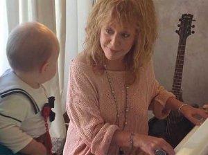 Пугачева стала учительницей по музыке дочки Николаева