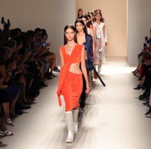 Новая модная коллекция «весна-лето 2017» от Виктории Бекхэм