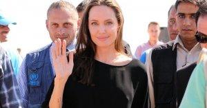 Анджелина Джоли была осуждена мусульманским миром, за то, что не носит бюстгальтер