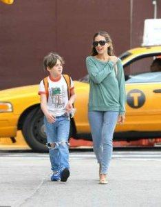 Сын Джесики Паркер одевается в секонд-хенде