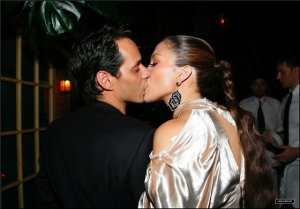 Супруга Марка Энтони собирается разводиться из-за того, что её муж поцеловал Дженнифер Лопес