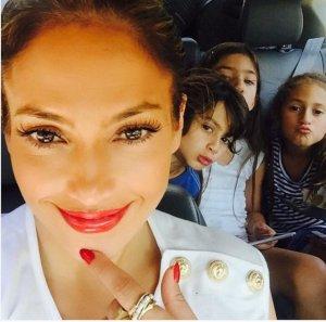 Дженнифер Лопес представила своего бойфренда своим детям