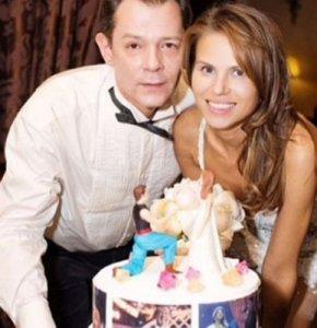 Беременная жена певца Вадима Казаченко будет с ним судиться