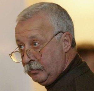Слухи о болезни телеведущего Леонида Якубовича