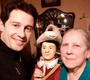 Уникальная кукла досталась Антону Макарскому