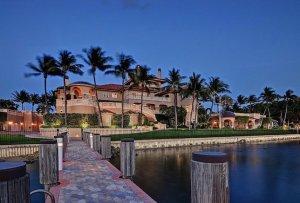 Роскошный особняк в Палм-Бич продается за $32,5 млн