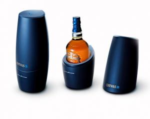 Популярный виски Chivas18 «одели» в дизайнерскую упаковку
