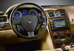 Maserati Quattroporte – гоночный болид с комфортом премиум-седана