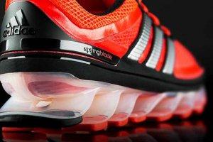Беговые спец-кроссовки Springblade от Adidas
