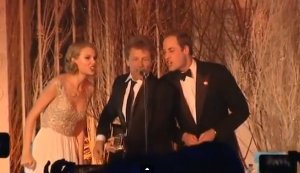 День рождения Тэйлор Свифт: она жертвует $100.000 и поёт с принцем Уильямом