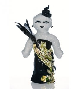 Знаменитые модные бренды создали дизайнерские куклы для Дарфура