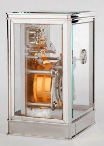Хрустальный «домик» роскошных часов Parmigani Fleur 15-Day Table Clock оценили в $111.000