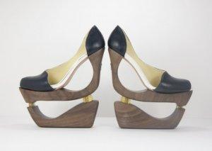 Изыски тюнинга: женские туфли на амортизаторах