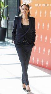Анджелина Джоли удостоилась рыцарского титула