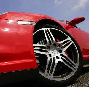 Колесный диск Porsche 911 Turbo превратился в часы за $2.300