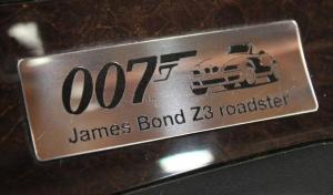 Точную копию машины Джеймса Бонда продают на онлайн-аукционе