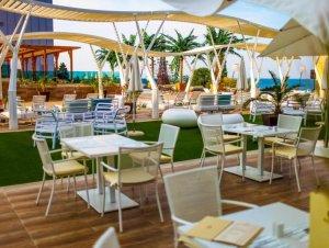 После ремонта роскошного отеля Золотые Пески стали ещё привлекательнее