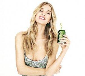 Роузи Хантингтон-Уайтли представила диетическую Coca-cola