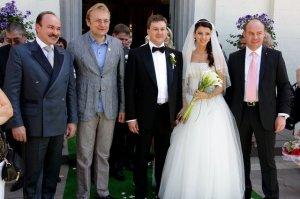Депутат из Львова потратил на свадьбу дочери $240.988