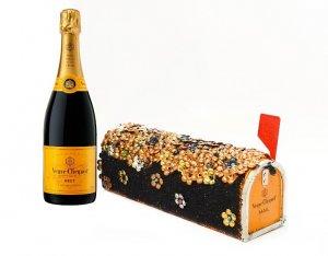 Необычный роскошный футляр от Lulu Frost для шампанского Мадам Клико