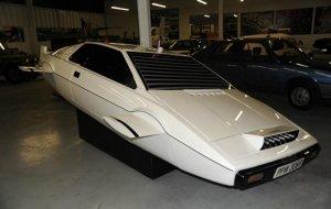 Автомобиль-субмарина Джеймса Бонда продается на eBay за $1.000.000