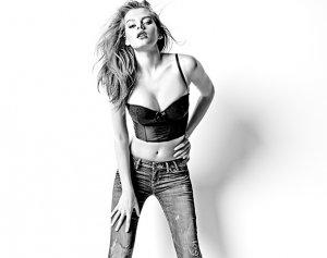 Новые стильные джинсы от Guess