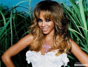 Журнал Forbes признал Бейонсе самой высокодоходной певицей 2014 года