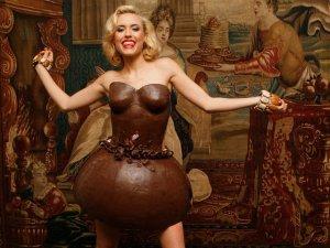 В моду входят шоколадные платья из Парижа