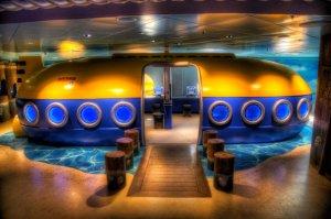 В гостях у капитана Немо: на яхте откроют первые подводные киносеансы