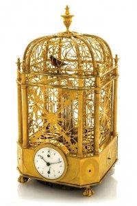 Раритетная золотая клетка с механической поющей птичкой ушла с молотка за $305.000