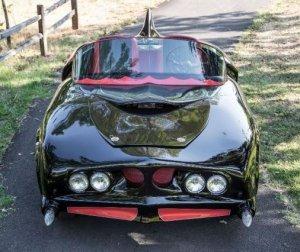 Самый первый автомобиль Бэтмена уйдёт с молотка