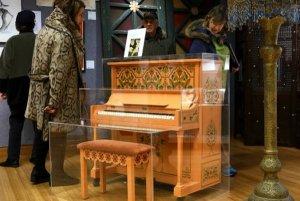 Пианино из «Касабланки» перестало быть «роялем в кустах» и ушло с аукциона за $3.400.000