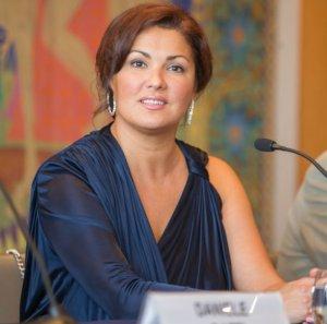 Донецкие оперные артисты получили 1.000.000 рублей от Анны Нетребко
