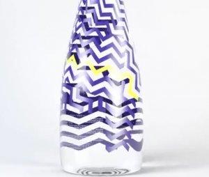 Дизайнерская бутылка для воды Evian от бренда Kenzo