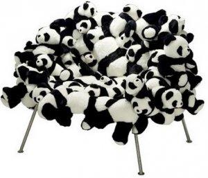Кресло с мишками-пандами продадут за $45.000