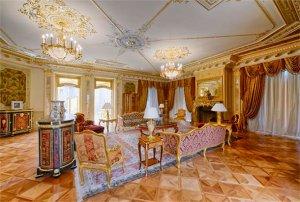 Выставлен на продажу золотой дворец на Рублёвке за $100 миллионов