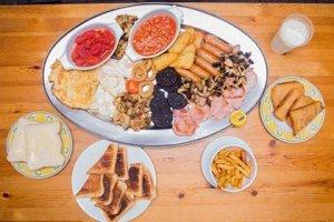 В Британском городе Портисхэд есть кафе, где предлагают посетителям завтрак из 59 блюд