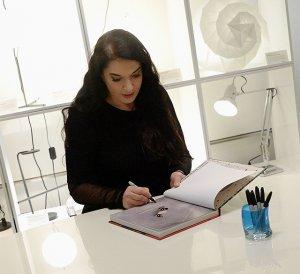 Роскошная посуда от Марины Абрамович призывает к простоте