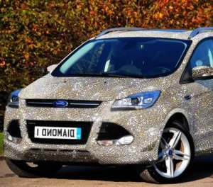 Бриллиантовая модель Ford Kuga за $1.521.000 станет блестящим выбором