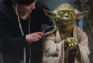Готовящийся к продаже Музей восковых фигур в Лондоне устанавливает героев «Звездных войн» (видео)