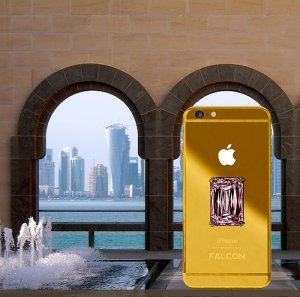 Розовый бриллиант, вмонтированный в iPhone 6, определил стоимость смартфона в $100 миллионов