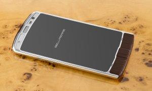Голландский бренд Bellperre своим элегантным смартфоном Touch может затмить продукцию Vertu