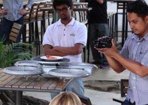 Первые дроны-официанты уже обслуживают клиентов в сингапурском ресторане (видео)