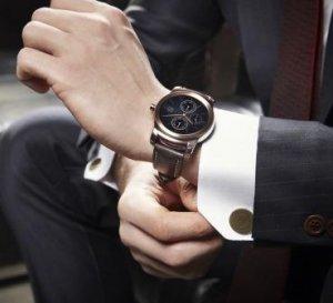 Сдержанный и стальной характер VIP-часов LG Watch Urbane