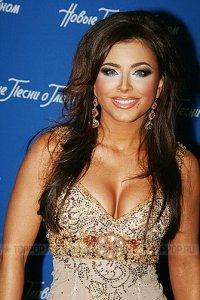 Самая богатая украинская певица Ани Лорак востребована не на родине, а в России