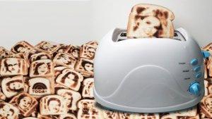 Тосты с портретами может делать селфи-тостер от компании Vermont Novetly