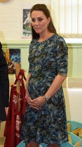 Леди Кейт с трудом выполняет требования королевы