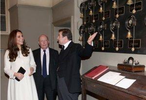 Несмотря на беременность, Кейт Миддлтон посетила место, где снимают её любимый сериал «Аббатства Даунтон»