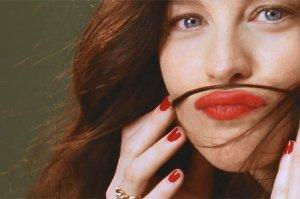 Очень позитивное фэшн-видео Proenza Schouler с участием Лив Тайлер и других моделей (видео)