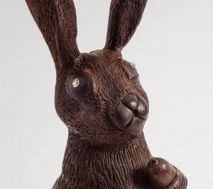 Бренд 77 Diamonds создал шоколадного пасхального кролика с бриллиантовыми глазами